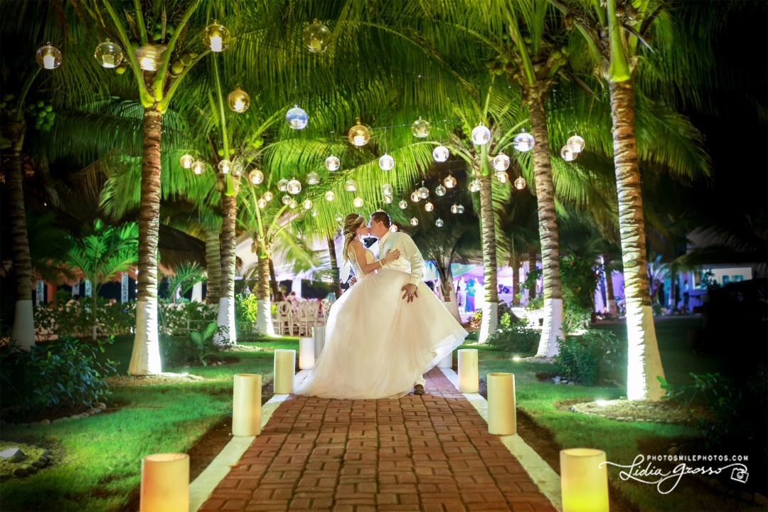 Jez Poncho Wedding Cancun s