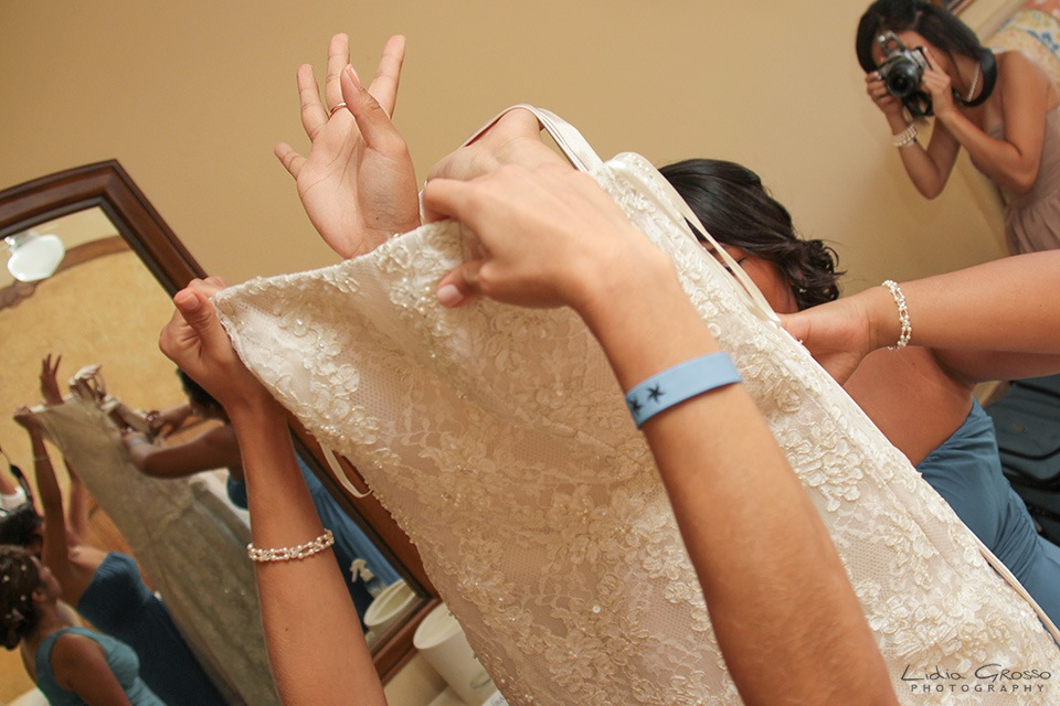 Bride getting ready cancun wedding photographer