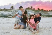 Anna & Duc family portrait Cancun s