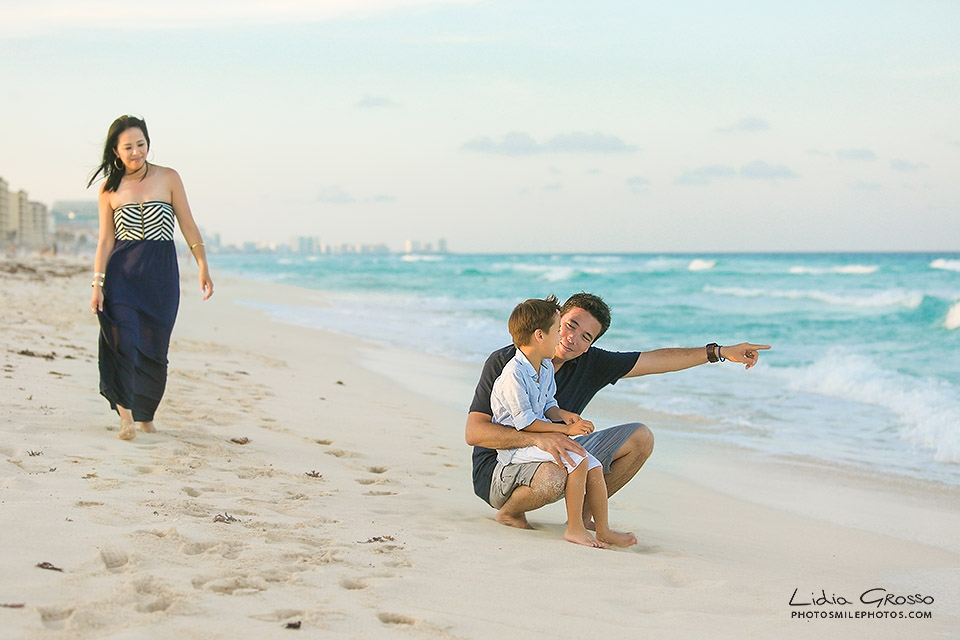 Playa Delfines Cancun family portraits