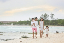 Cancun family portrait photographer, Riviera Maya photographer, Beach portraits Cancun, Riviera Maya family sessions, Lidia Grosso photography