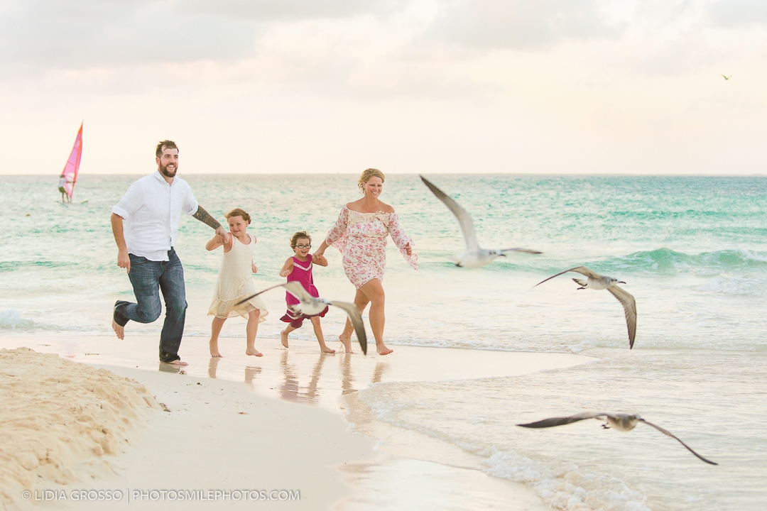 family photos Playa Norte Isla Mujeres