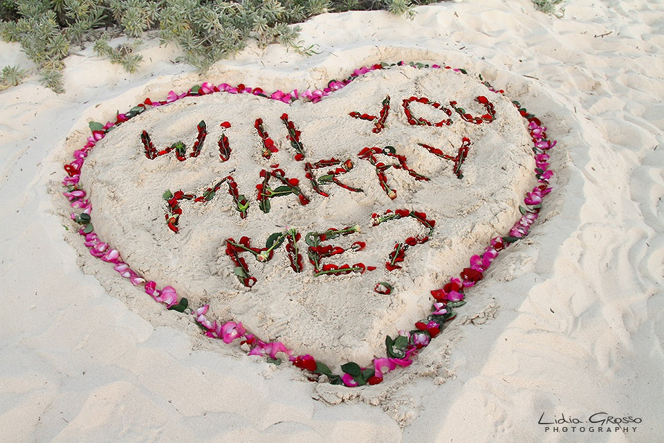Beach proposals Cancun, Heart in the sand, save the date sessions Cancun