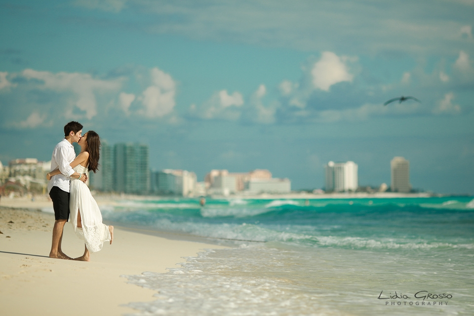 Beach sessions Cancun, Live Aqua Cancun Couples Portraits, Cancun Engagements sessions, beach Portraits Cancun Photographer, Fotografia de Parejas en Cancun y Riviera Maya, Compromisos Cancun