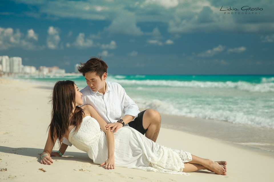 Beach sessions Cancun, Live Aqua Cancun photos, Cancun Engagements sessions, beach Portraits Cancun Photographer, Fotografia de Parejas en Cancun y Riviera Maya, Compromisos Cancun