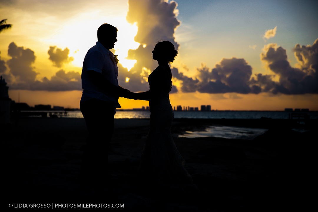 Sunset Wedding photography Riu Cancun