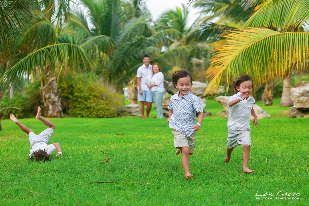 family portrait Cancun beach
