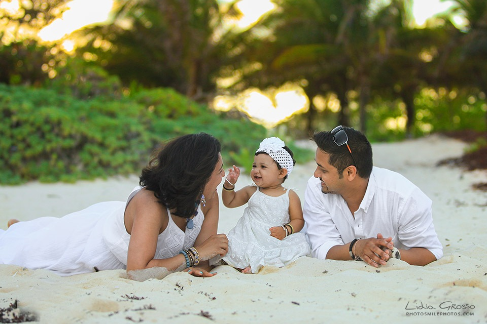 Lidia Grosso Photography, Fotografo Cancun, Family pictures Cancun, Cancun Family Photographer, Cancun beach portraits, Family Portraits Cancun and Riviera Maya