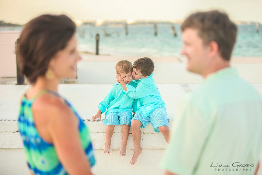 Dreams Riviera Cancun family photographer, Cancun family portrait photographer, Riviera Maya photographer, Beach portraits Cancun, Playa delfines family sessions, Lidia Grosso photography