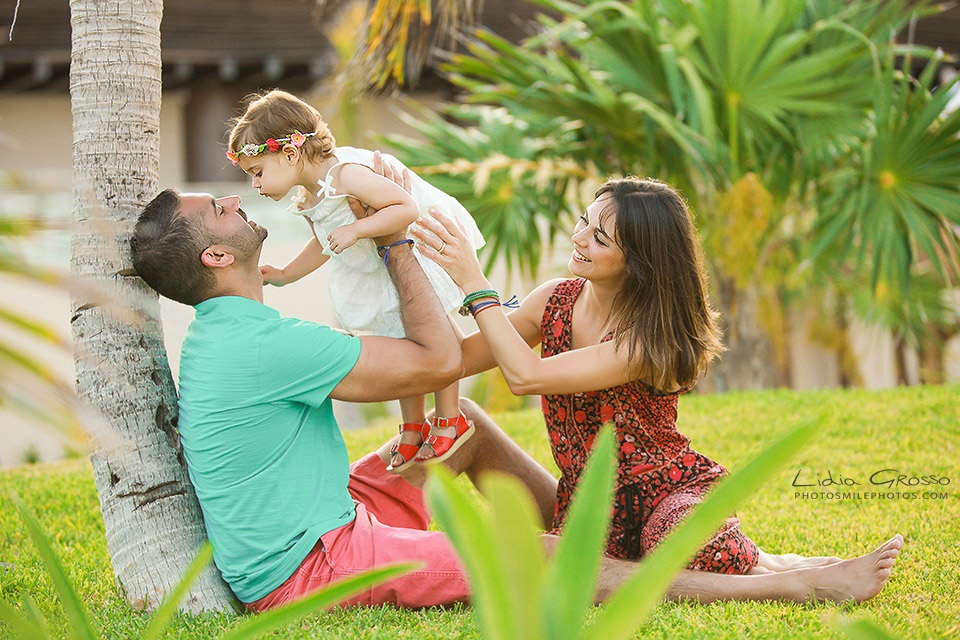 Lidia Grosso Photography, Royalton family photos, Fotografo Cancun, Family pictures Cancun, Cancun Family Photographer, Cancun beach portraits, Family Portraits Cancun and Riviera Maya