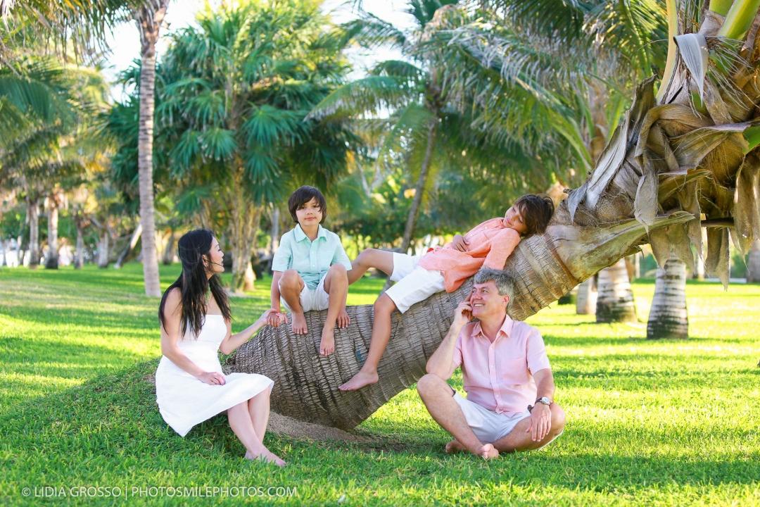 Playa delfines family portrait Cancun