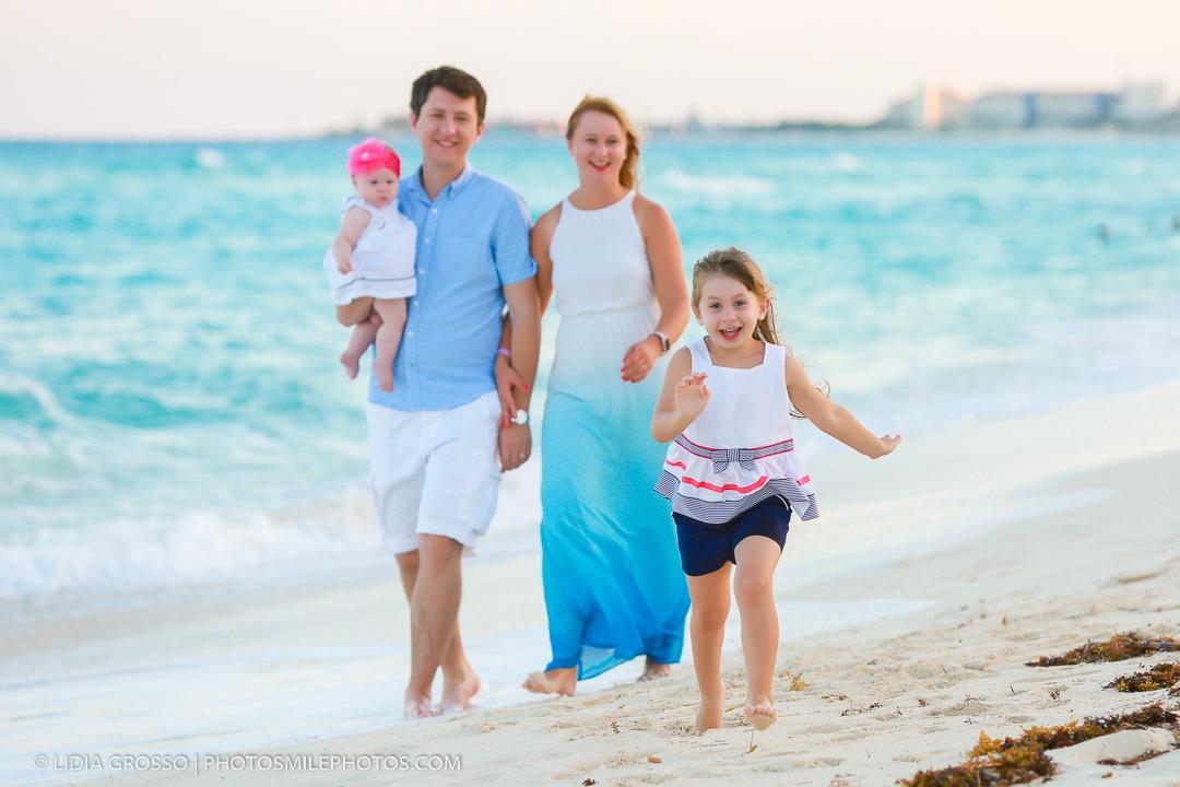 Beach family portrait Cancun