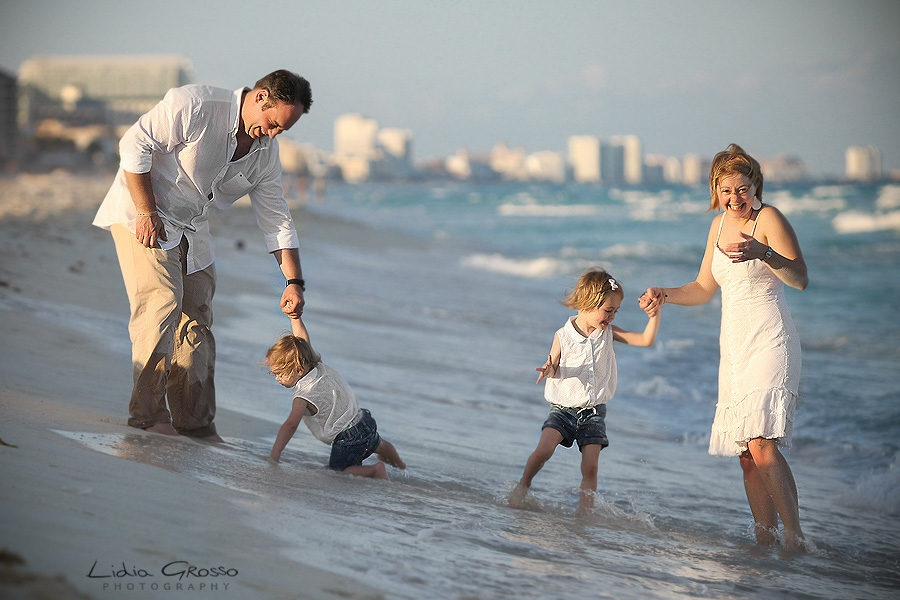 Cancun beach family portrait photographer