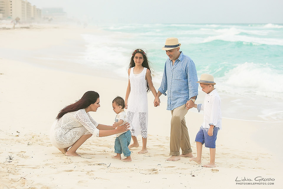 Playa Delfines beach family portrait Cancun, Cancun Photographer, Lidia Grosso Photography