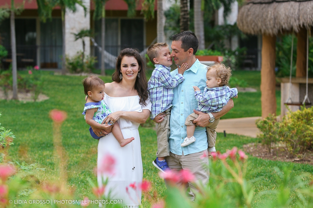 Villa del Palmar family photographer
