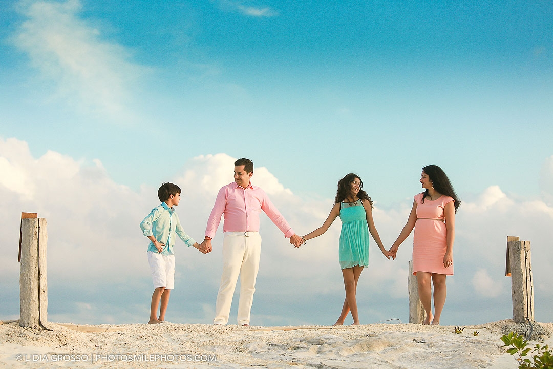 Family portraits Nizuc Resort Cancun photographer