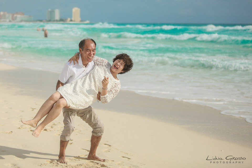 Beach sessions Me Cancun, Cancun Couples Portraits, Cancun Engagements sessions, beach Portraits Cancun Photographer, Fotografia de Parejas en Cancun y Riviera Maya, Compromisos Cancun