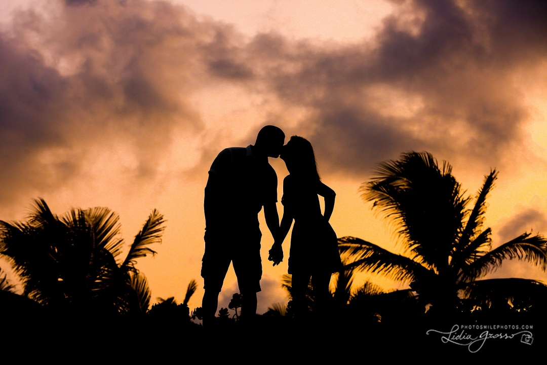 couples portraits Cancun sunset