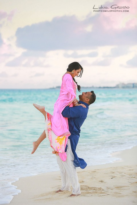 pre sikh wedding photos Cancun, indian couples portraits